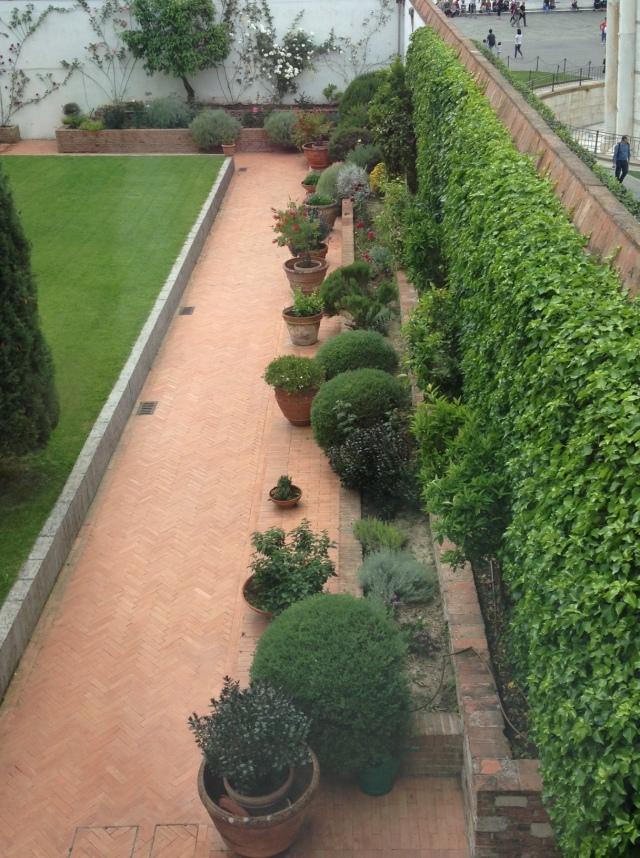 Italian container garden